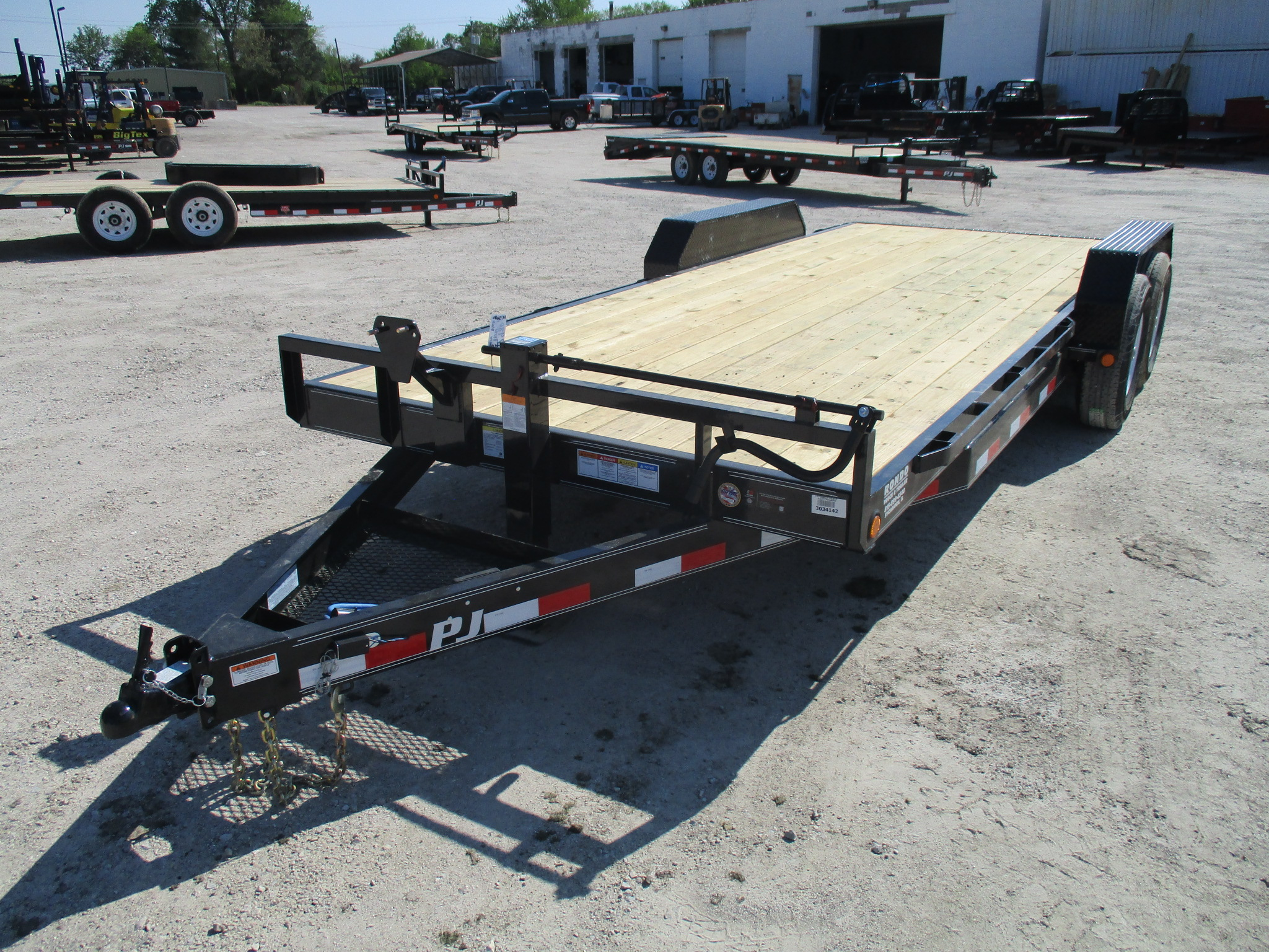 2019 PJ Trailer 83x20 CC Equipment CCJ2072BSNK0BS