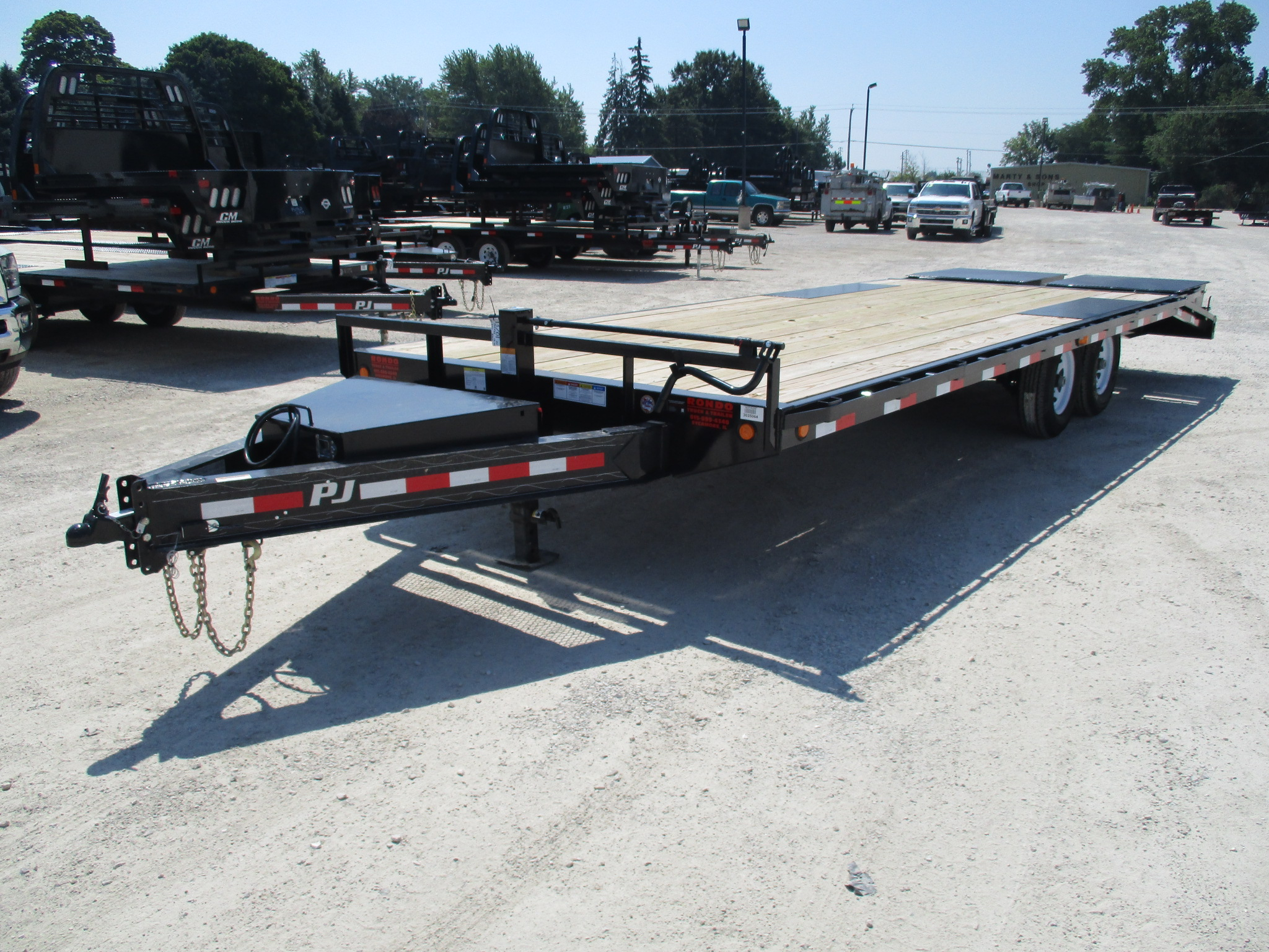 2019 PJ Trailer 102x24 F8 Equipment Deckover F8J2472BSYK8R