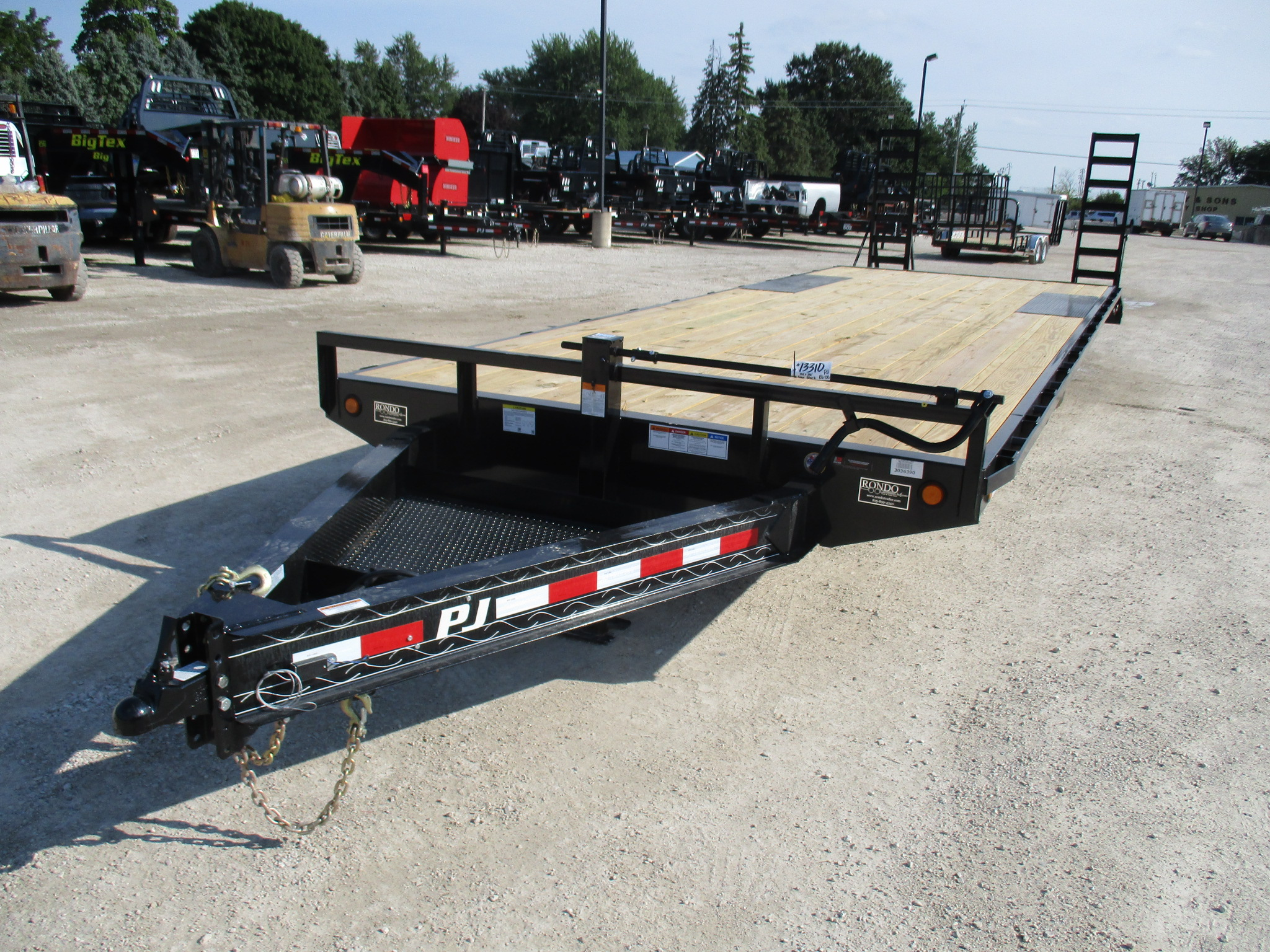 2019 PJ Trailer 102x26 F8 Equipment Deckover F8J2672BSBKR