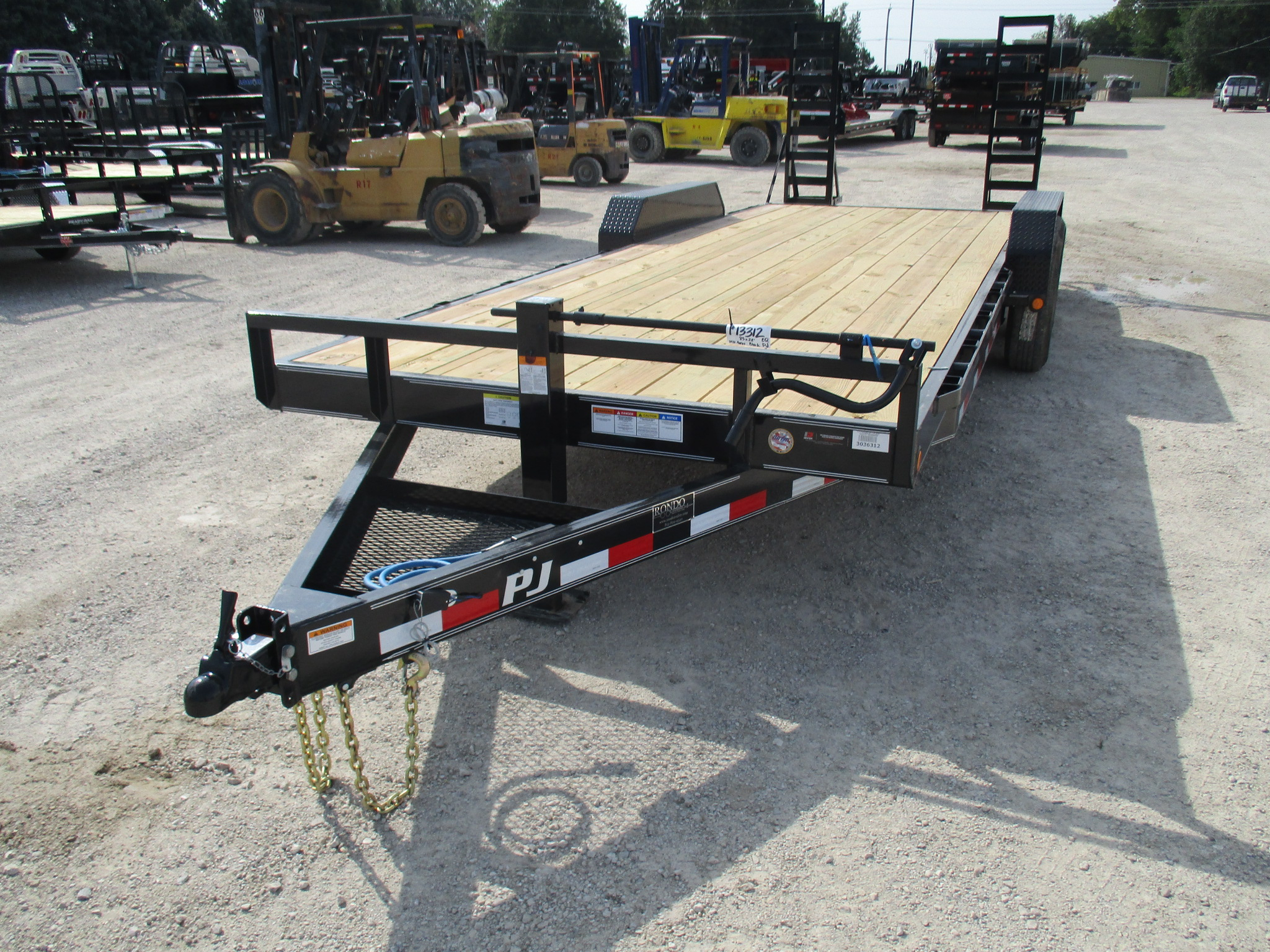 2019 PJ Trailer 83x22 CC Equipment CCJ2272BSBK0B