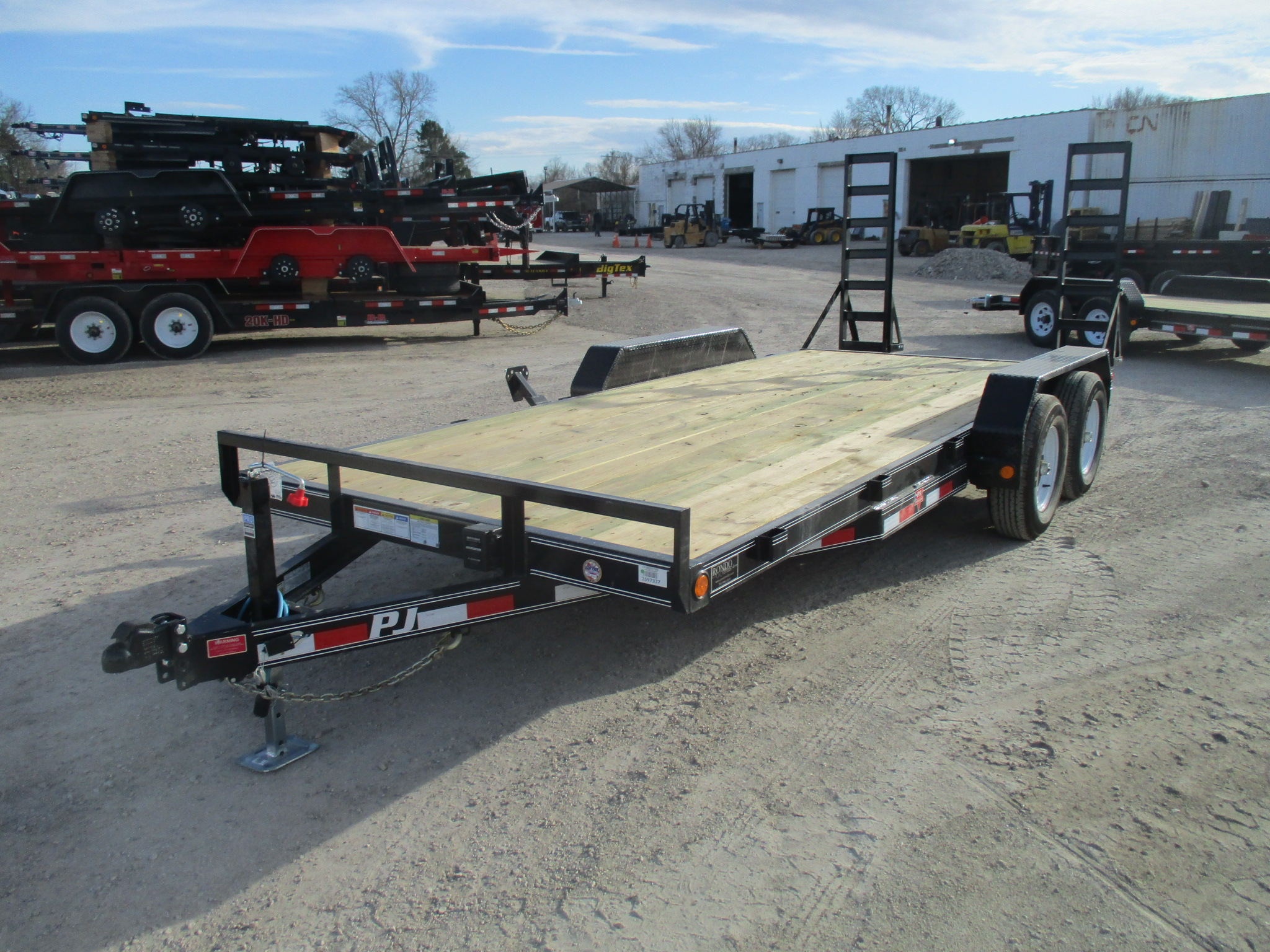 2020 PJ Trailer 83x18 CE Equipment CEJ1852ESAKT