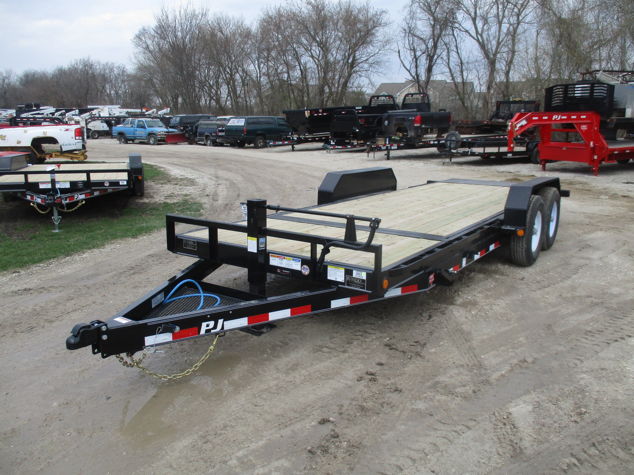 2019 PJ Trailer 82x20 T6 Equipment Tilt T6J2072BTTK0