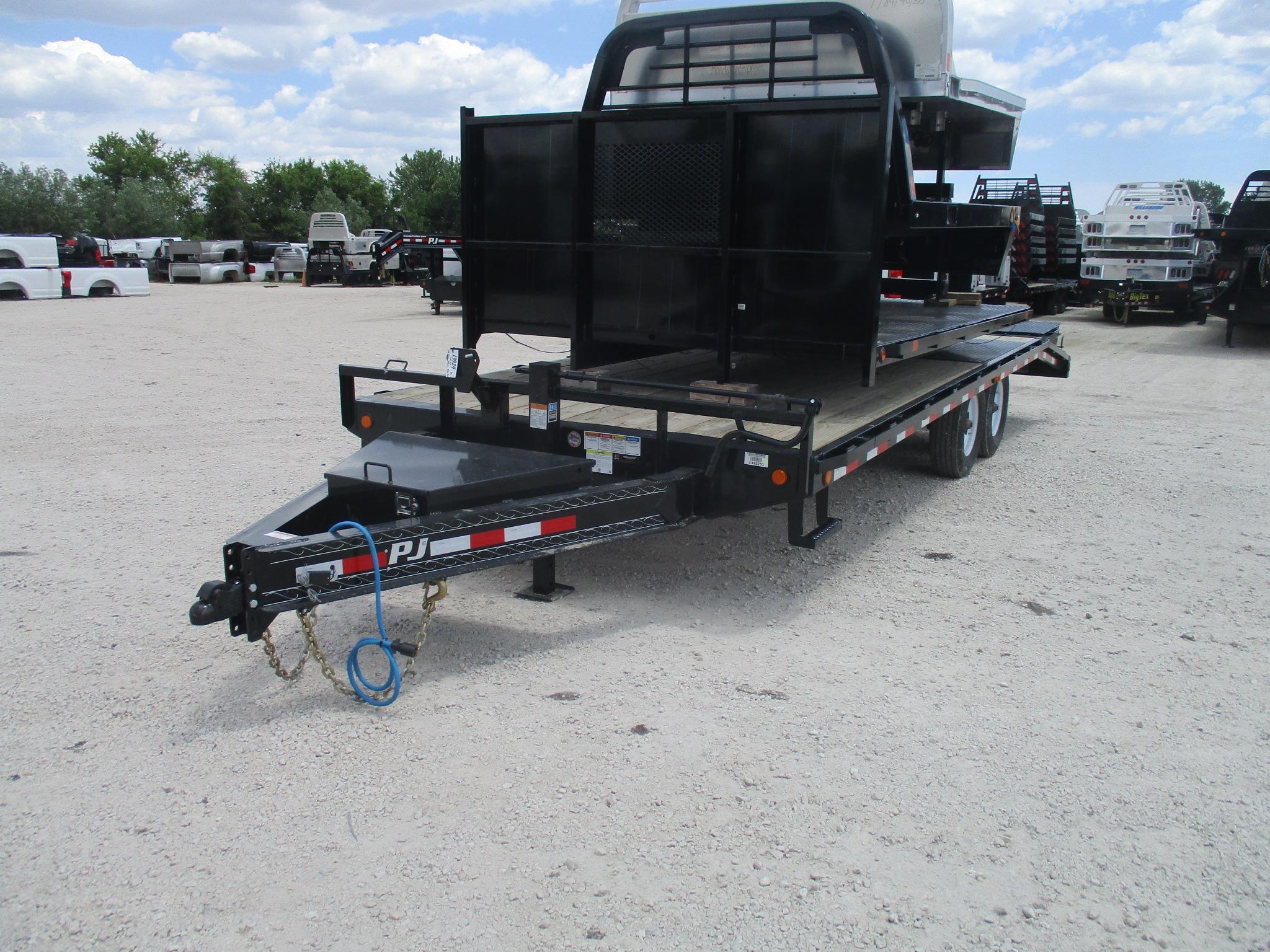2020 PJ Trailer 102x22 F8 Equipment Deckover F8T22B2BTY0028MR-MD01