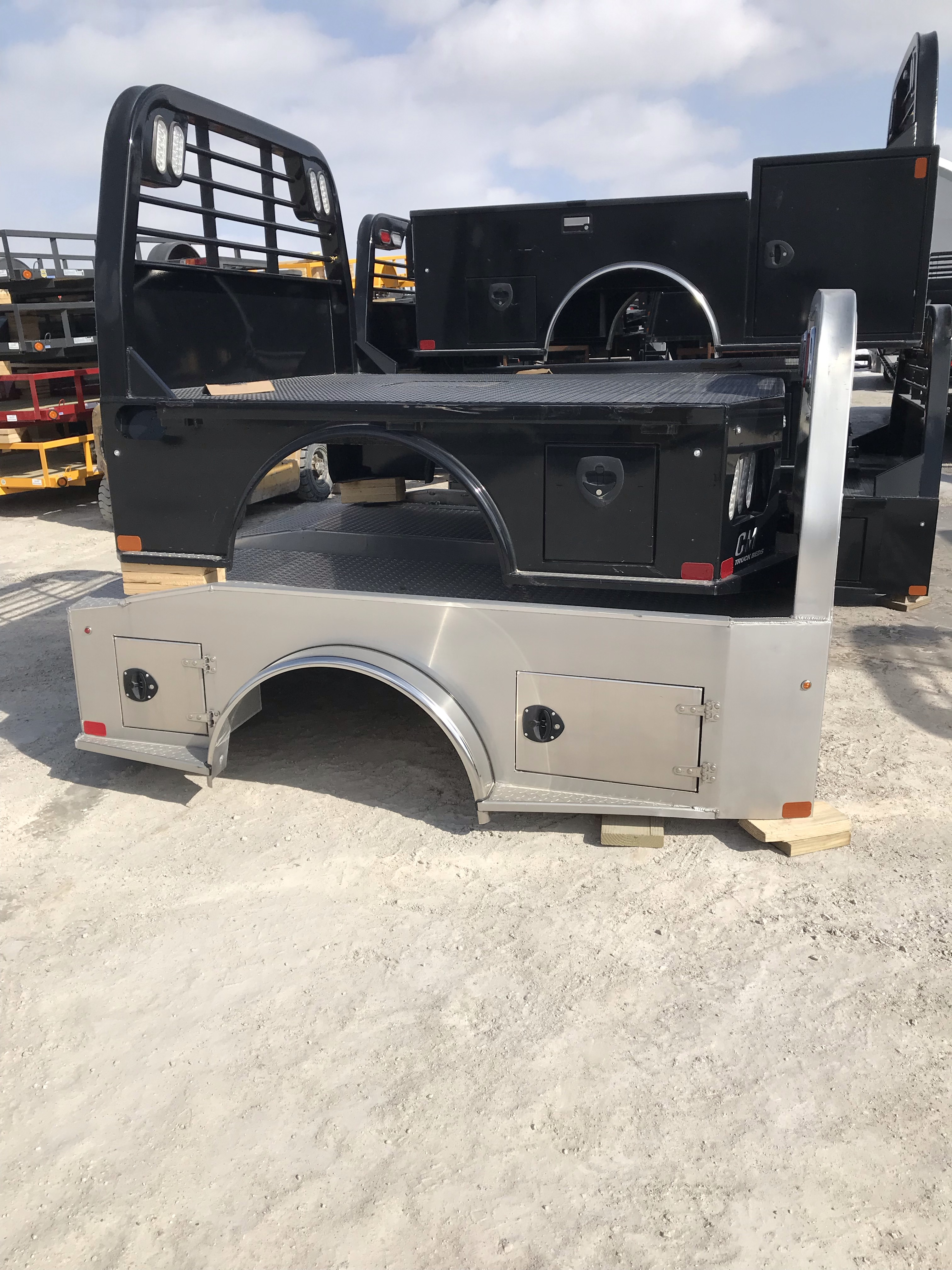 AS IS CM 7 x 84 SK Truck Bed