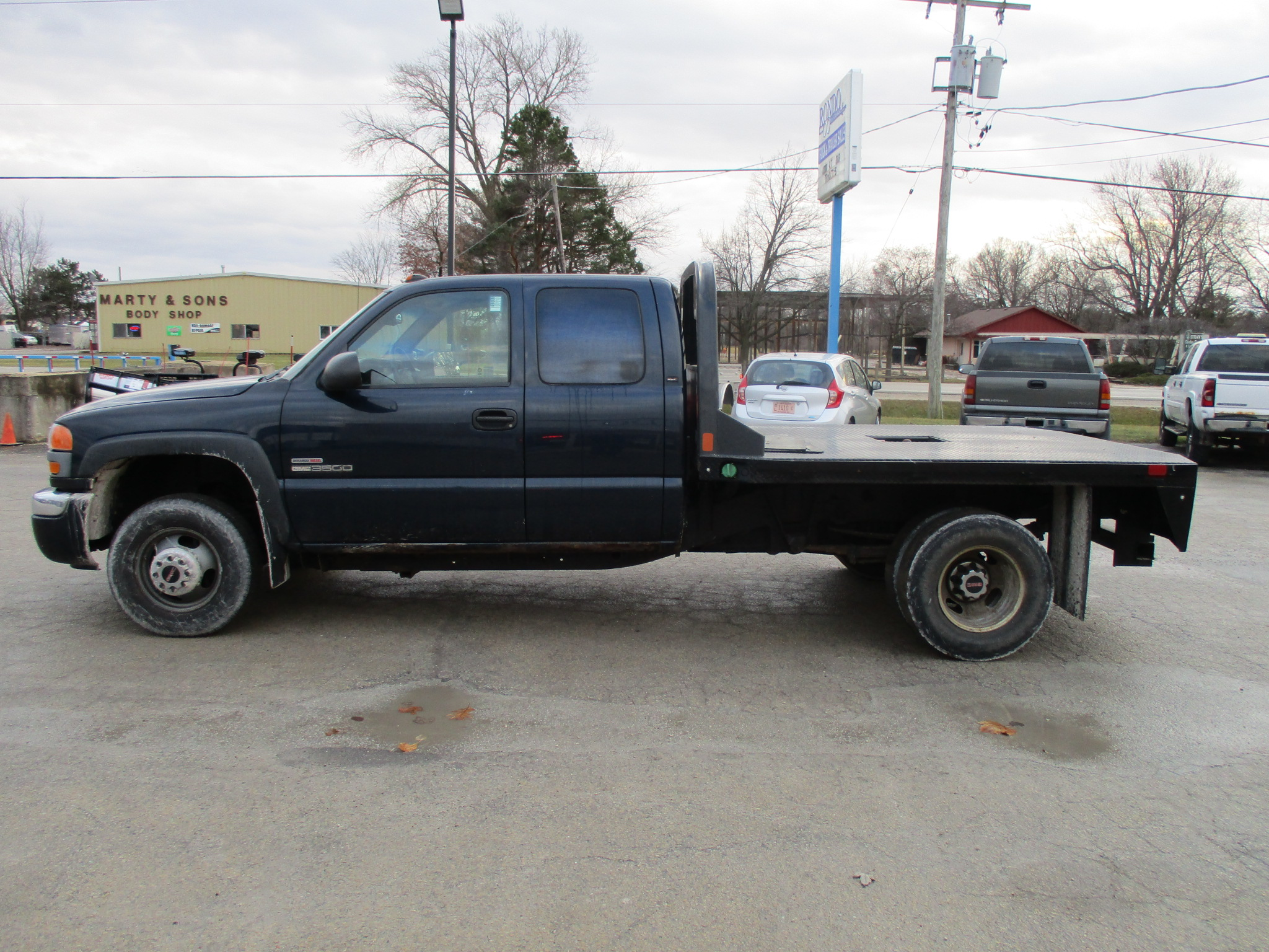 2005 GMC 3500 Extended Cab Flatbed SLE