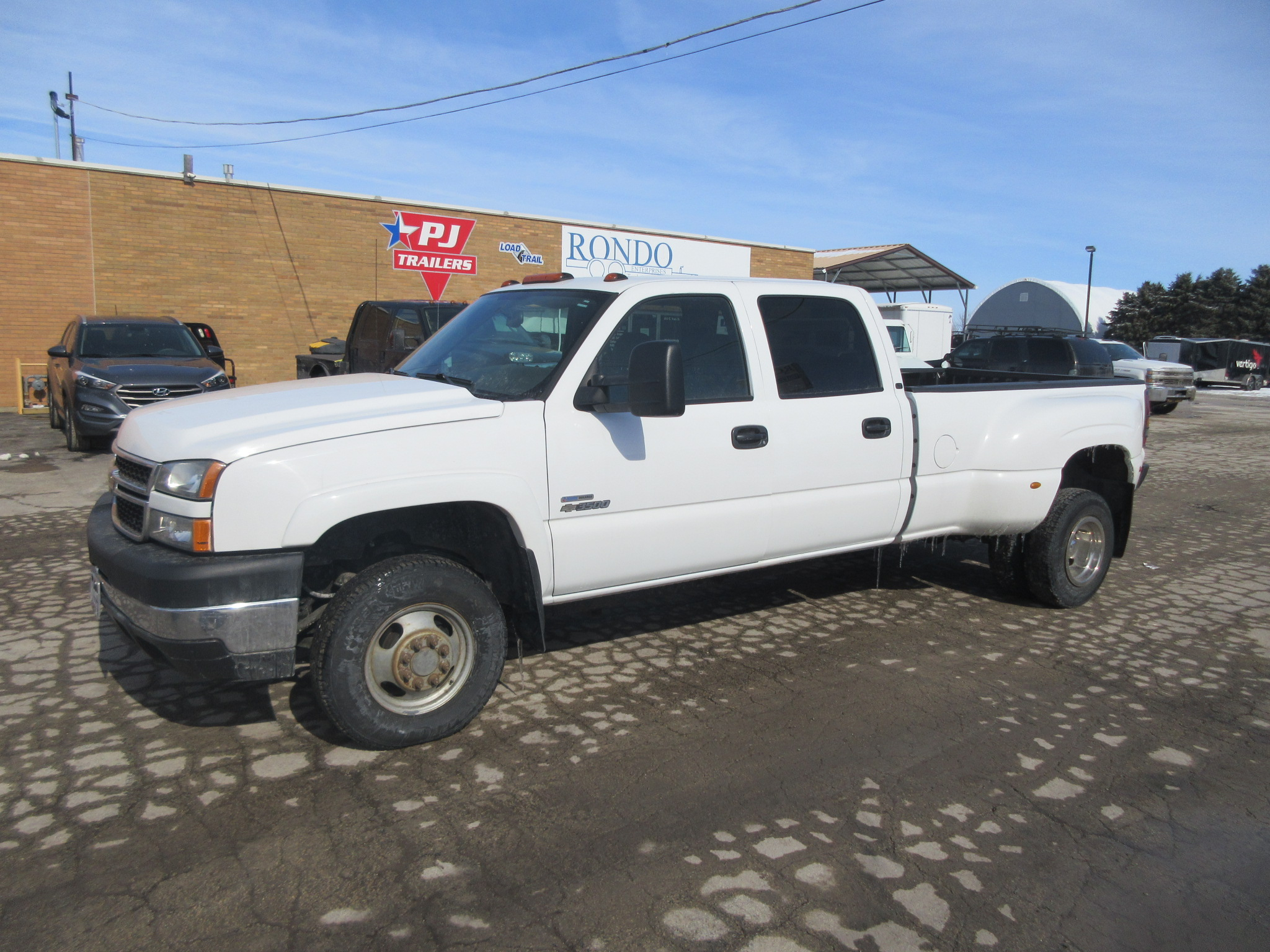 2007 Chevy 3500 Crew Cab Long Bed LT2