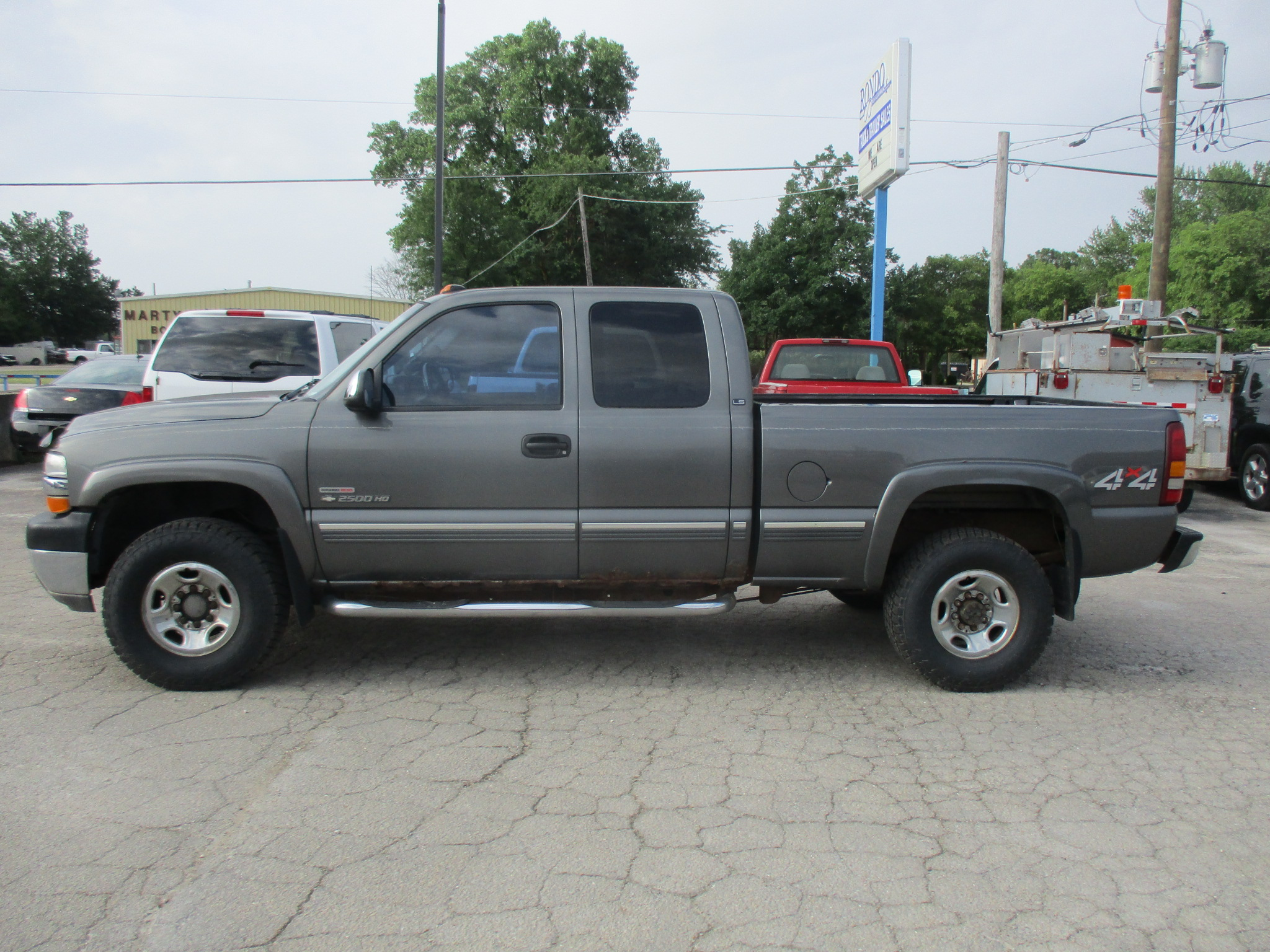2001 Chevy 2500HD Extended Cab Short Bed LS