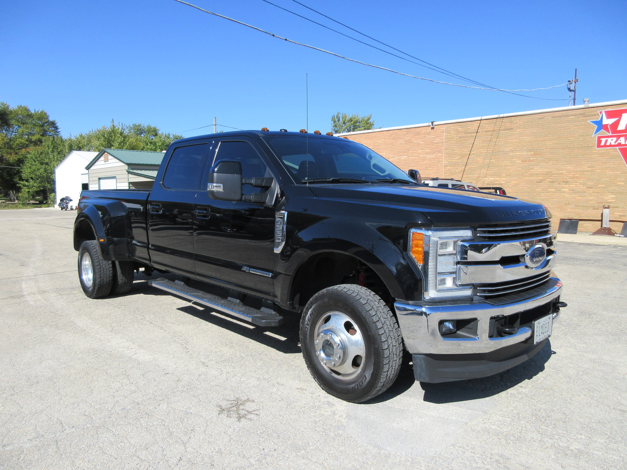 2017 Ford F350 Crew Cab Long Bed Lariat