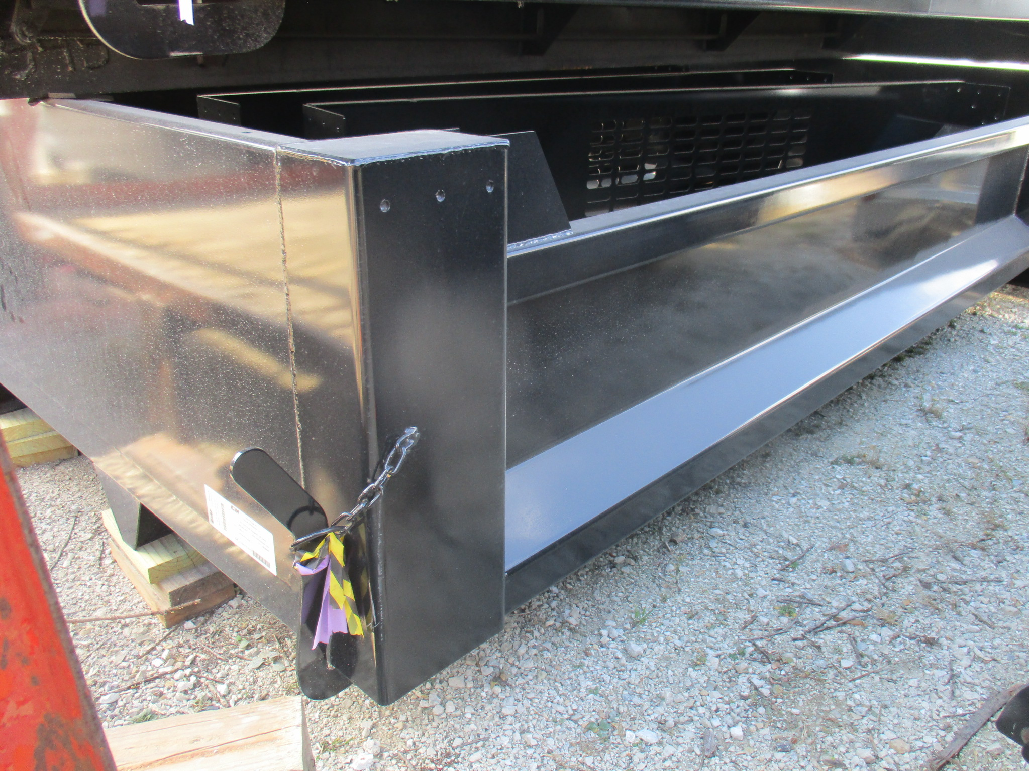 New CM 11 x 97 DP Flatbed Truck Bed