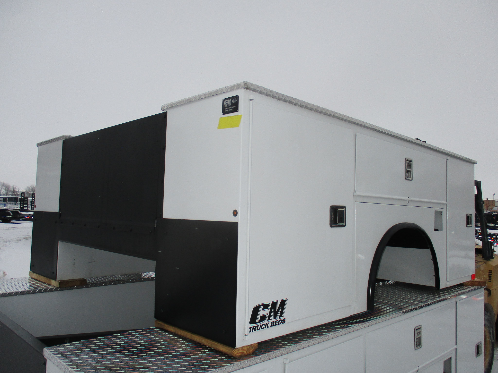 NEW CM 9.2 x 94 SB Flatbed Truck Bed
